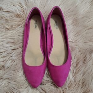 Old Navy magenta faux suede flat size 10